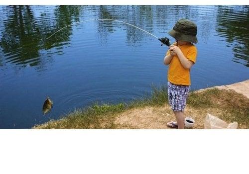 copil-pescar